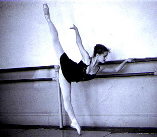 Image hotlink - 'http://www.dancehelp.com/photos/penche_arabesque.jpg'
